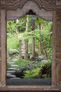 Porte de sortie de la villa Dewi Sinta