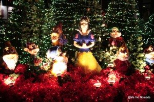 Une crèche de Noël quelque peu blasphématoire...