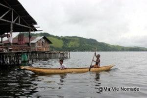 lac-santani-enfants-pirogue (1)
