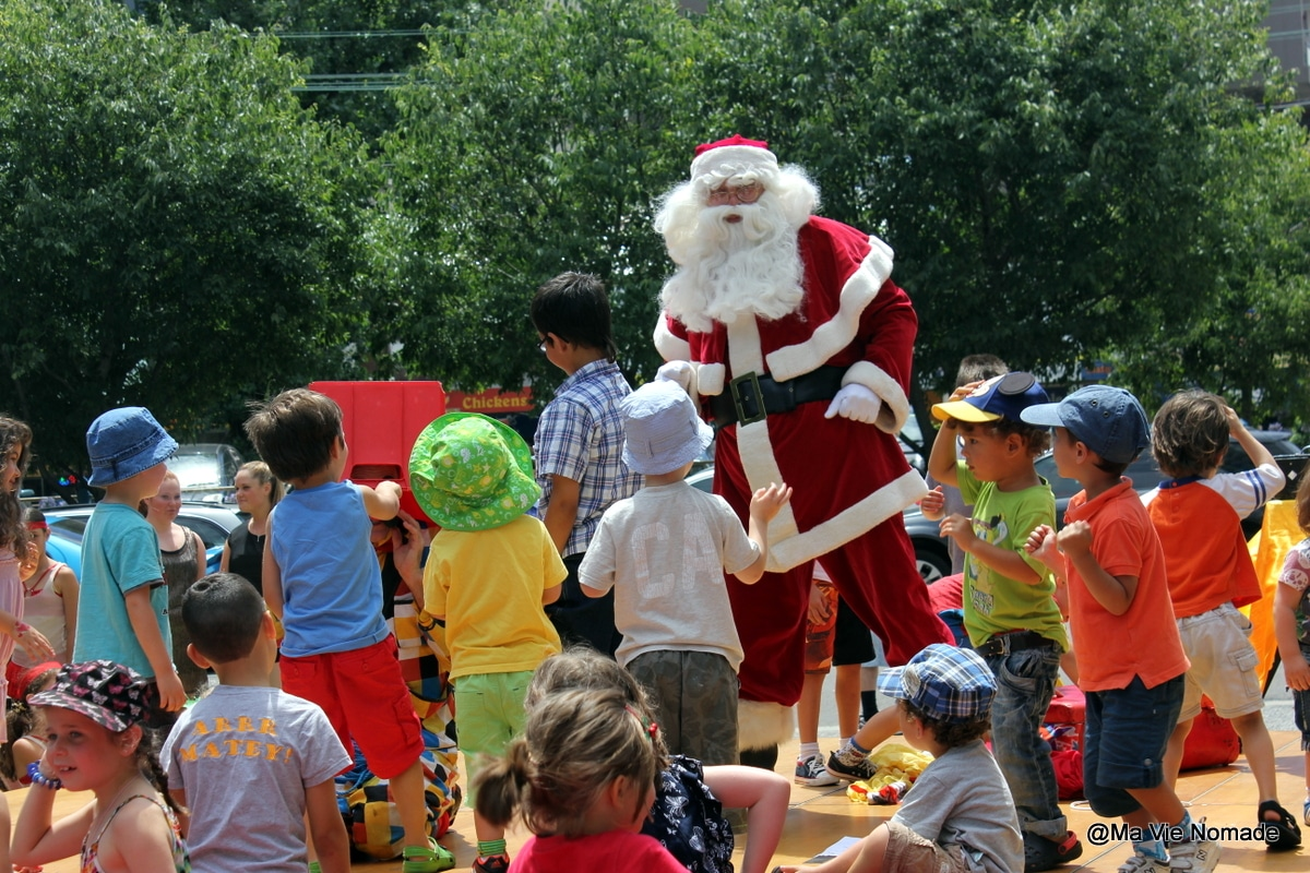 Les Traditions De Noel En Australie noël au soleil avec de jeunes enfants
